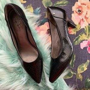 Life Stride textured pointed heels sz 10